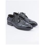 黑色真皮德比鞋